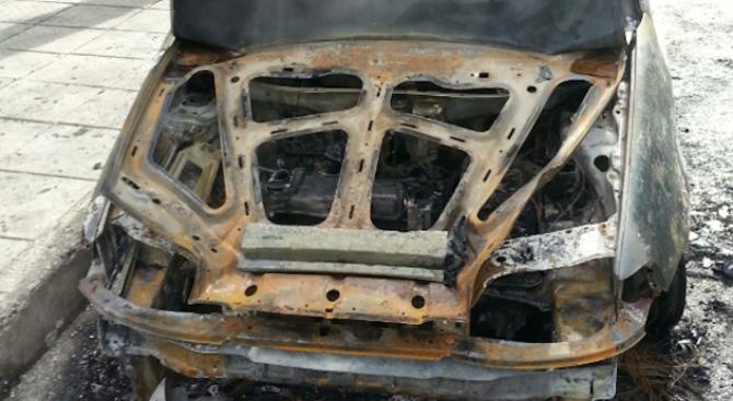 Спипаха извършителя и подбудителя на палежа на 7 коли в Троян