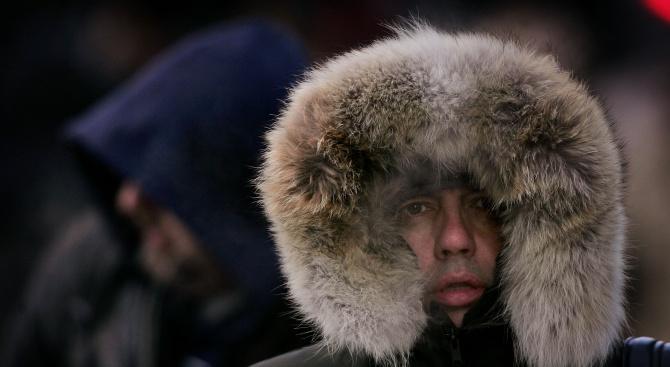 Времето остава предимно студено