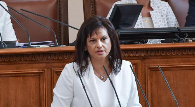 Дариткова: Полагат се непрекъснати усилия за регулация на лекарствения пазар