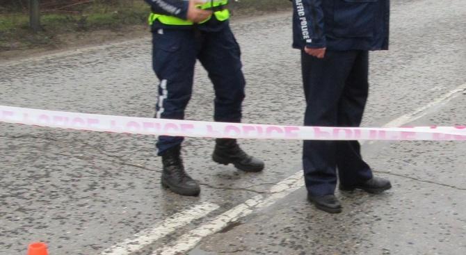 Млад мъж се заби с джип в къща в Карлово