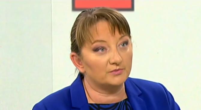 Деница Сачева: Ограниченията, заложени в закона за личната помощ, оставиха хора с увреждания без личен асистент