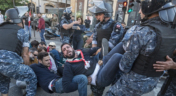 Втора вечер на сблъсъци в Бейрут