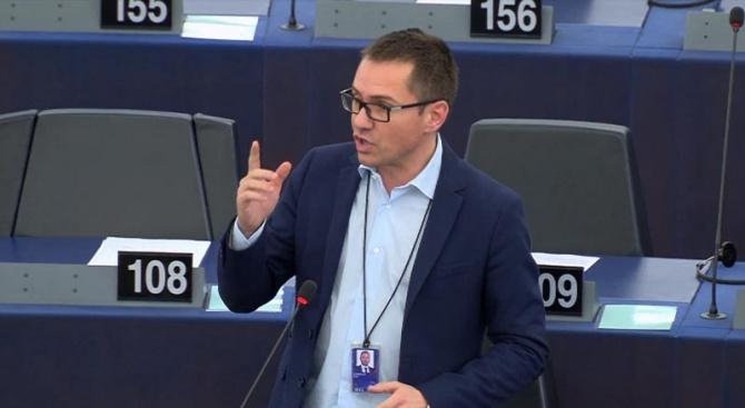 Джамбазки с призив заради ниското присъствие в Европарламента