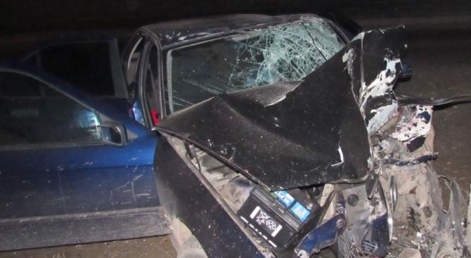 Мъж открадна кола в Кърджали и я заби в сграда