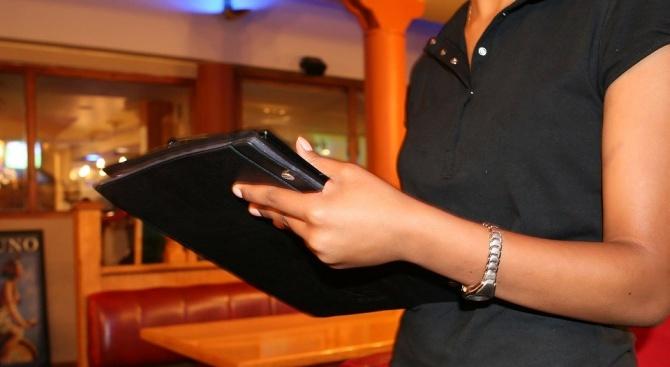 Хотелиери и ресторантьори обличат жълти жилетки, стягат протести