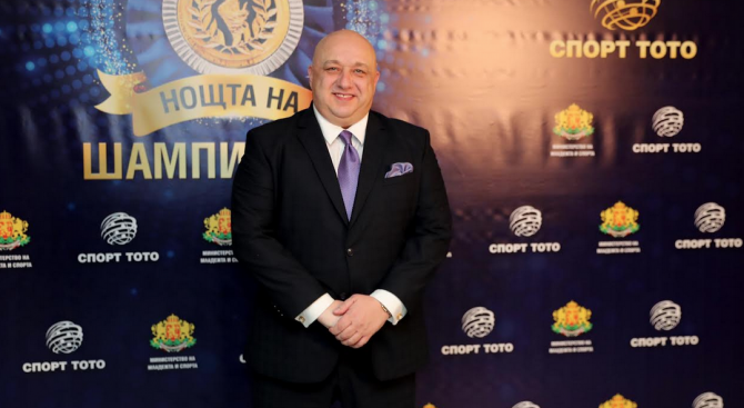 Министърът на младежта и спорта Красен Кралев Красен Кралев е
