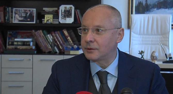 Станишев и тази година почерпи журналистите с баница, обяви, че няма да се кандидатира за лидер на БСП