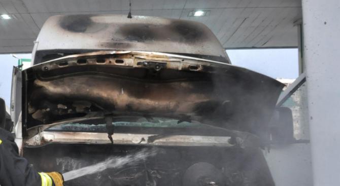 Бус пламна на пътя Пловдив - Пазарджик