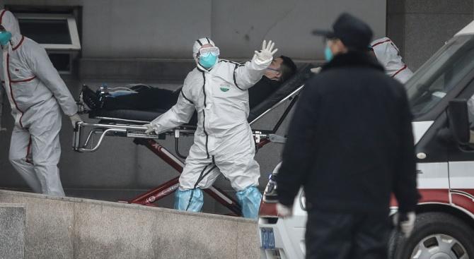 Китайските власти: Коронавирусът мутира и се адаптира