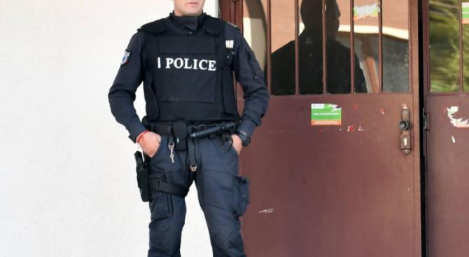 Полицаи помолиха шуменец да спре силната музика. Той: Не!