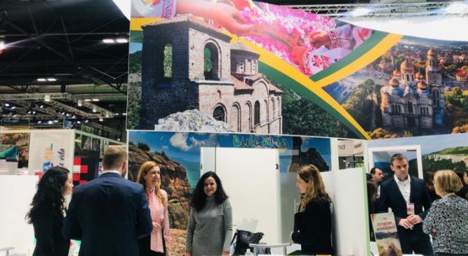 Ангелкова откри българския щанд на международно изложение в Мадрид