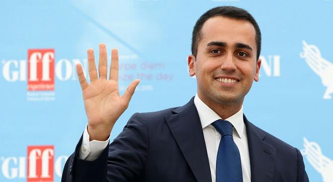 """Луиджи Ди Майо подаде оставка като лидер на италианското Движение """"5 звезди"""""""