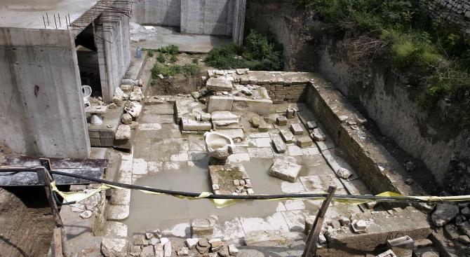 Общинарите в Балчик искат правата за управление на храма на Кибела