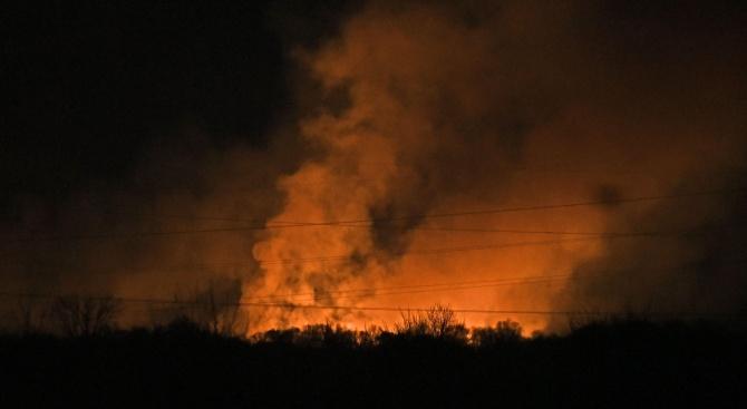 Пожар обхвана Драгоманското блато