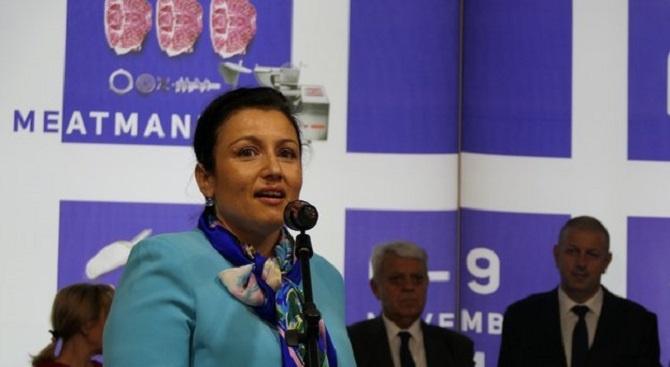 Десислава Танева: Правим нова и актуална таксация за дивеча