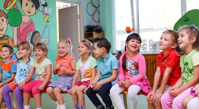 Край на достъпа на външни лица в детските градини в Поморие