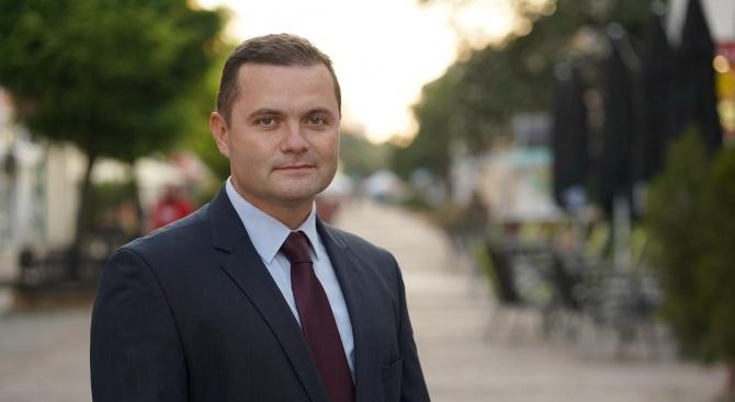 Кметът на Русе Пенчо Милков отказа заплата от 3000 лв.,