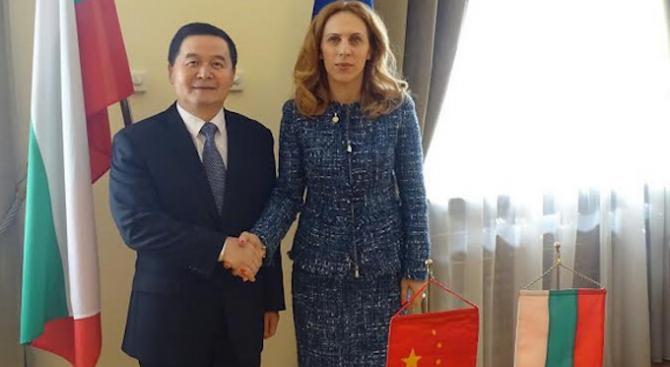 Марияна Николова се срещна с посланика на Китай