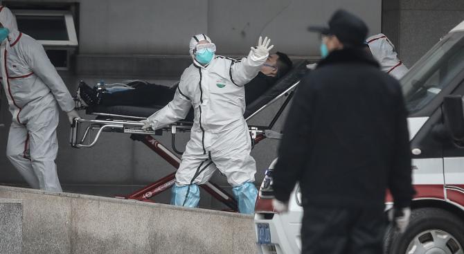 Китай строи специална болница за заразени с новия коронавирус