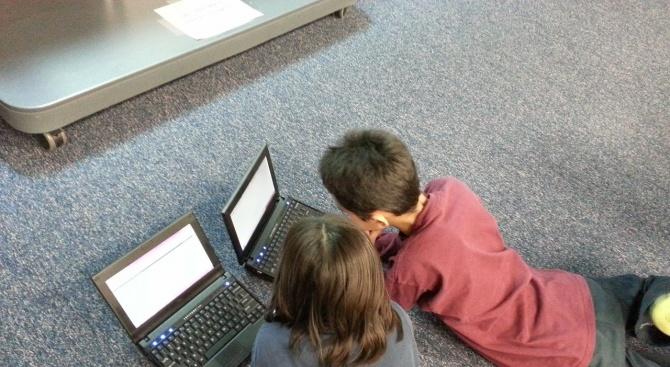 Стряскаща статистика за това на какво са изложени децата ни в мрежата