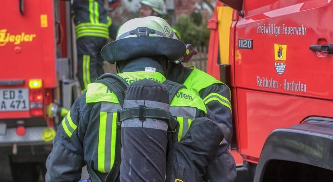 Голям пожар в автоморга в Пловдив