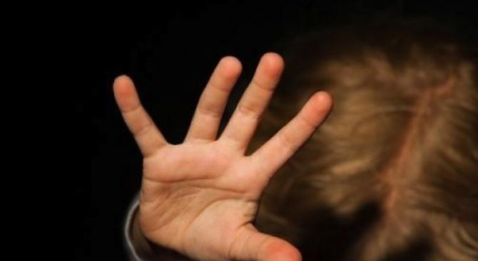 36-годишен насилвал сексуално 13-годишната си дъщеря в продължение на повече от три месеца