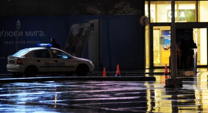 Сигнал за бомба евакуира мол в София