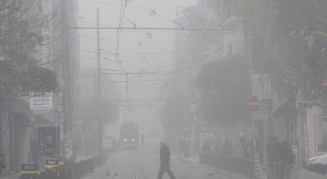 Отново! 11 града в страната дишат мръсен въздух