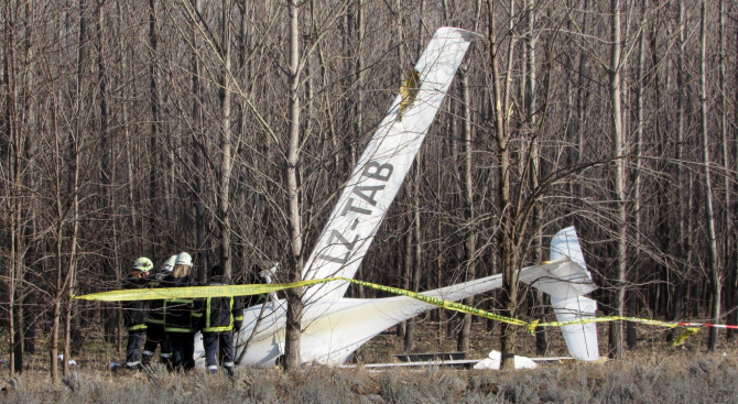 Малък самолет падна край Русе