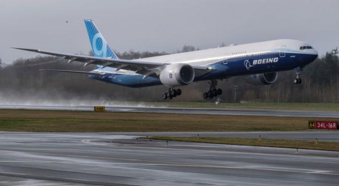 Новият самолет на Боинг излетя на първи полет
