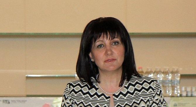Караянчева изпрати съболезнователен адрес до турския си колега