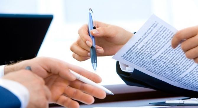 Фирмите на отчет само пред данъчните до 30 юни