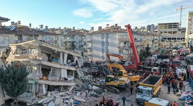 39 вече са жертвите от земетресението в Турция