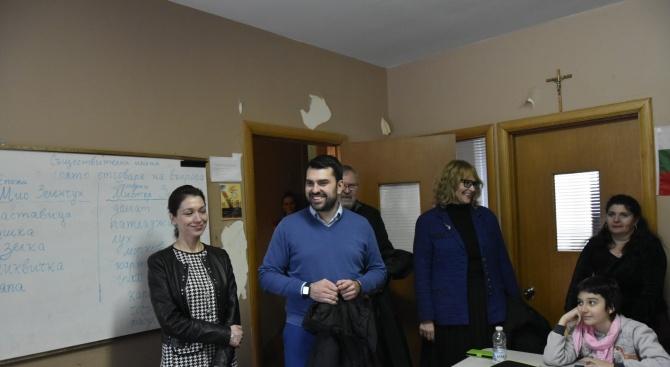 Георг Георгиев пред българите в Монреал: Вие сте позитивният пример, с който се свързва родината ни в Канада