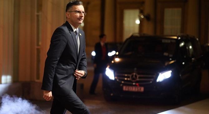 Словенският премиер хвърли оставка