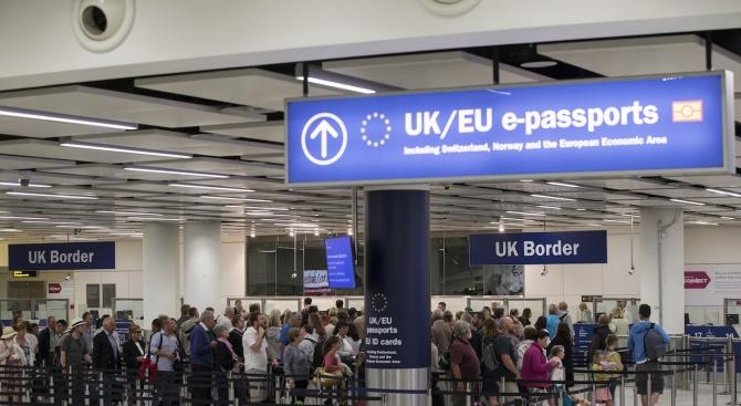 Лондон привлича експерти с бързи визи