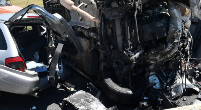 Чужд гражданин е загиналият мъж в катастрофата край Кресна днес