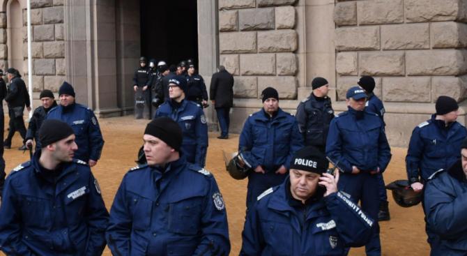 Софийска районна прокуратура подхвана инцидента с полицаите на протеста пред МРРБ