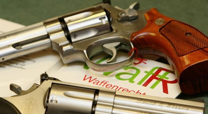 Хванаха криминално проявен и многократно осъждан с незаконно оръжие