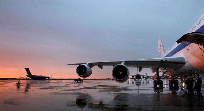 ЕС осигурява 2 самолета за връщането на европейци от Китай