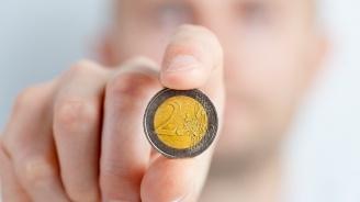 Финансист коментира кога България ще замени лева с еврото