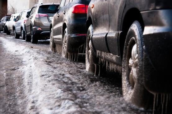 Знаете ли как се шофира през зимата?