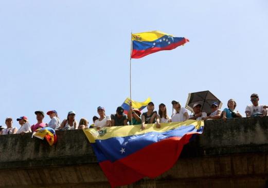 От какво са предизвикани бунтовете във Венецуела?