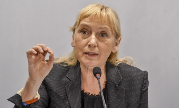 Одобрявате ли решението Елена Йончева да води листата на БСП за евроизборите?