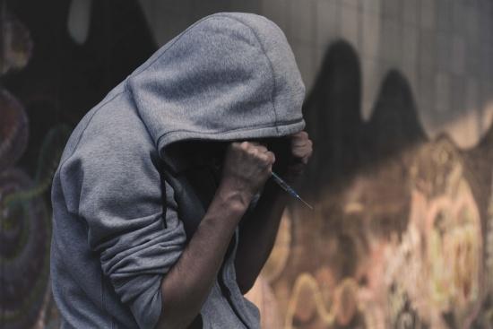 Какво трябва да се направи, за да намалеят престъпленията, свързани с наркотици и извършени от деца?