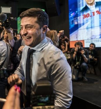 Смятате ли, че новият украински президент Володимир Зеленски ще промени страната си?