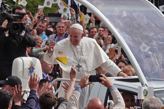 Как оценявате посещението на папа Франциск в България?