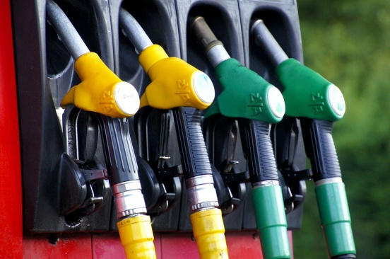 Скъпо ли ви излиза литър бензин/ литър дизел?