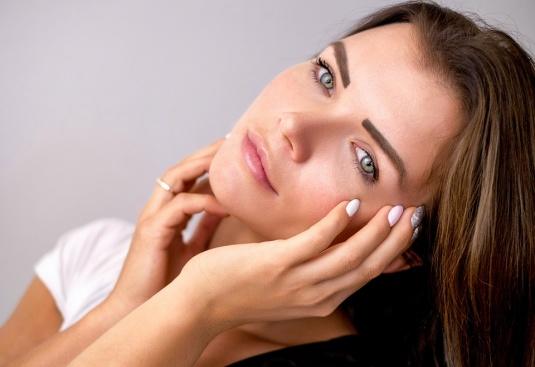 Бихте ли си направили естетични корекции на лицето?