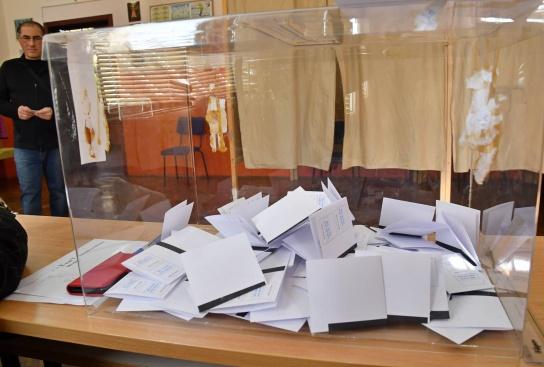 Трябва ли да бъдат касирани изборите в София?